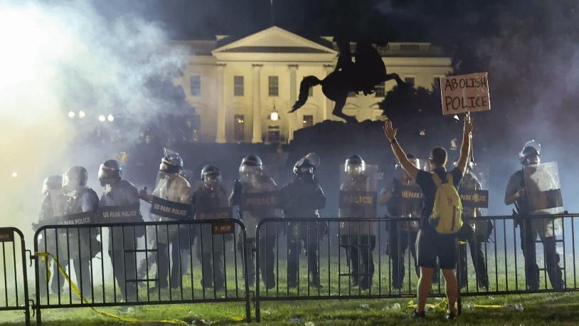 Vírus tem ideologia política? Pesquisa alega que protestos Antifa não aumentaram casos de covid-19